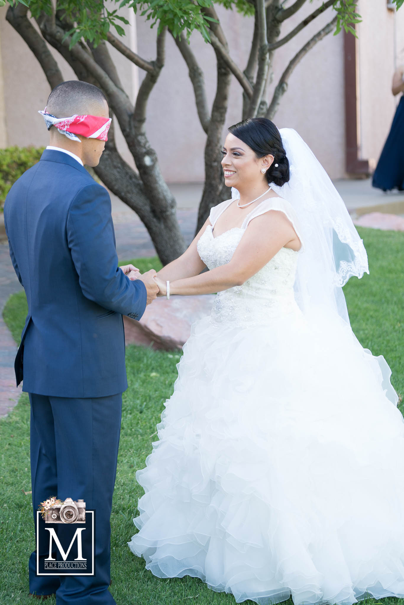 Reasons To Have A First Look Photo Session On Your Las Vegas Wedding Day